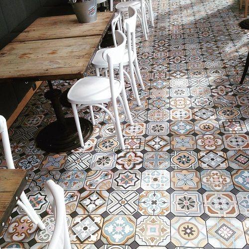 gạch bông ốp tường quán cà phê