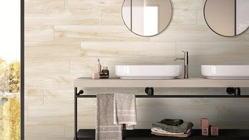 Mẫu gạch ốp tường giả gỗ màu sáng cho phòng tắm