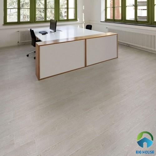 Mẫu gạch vân gỗ lát nền cho không gian làm việc