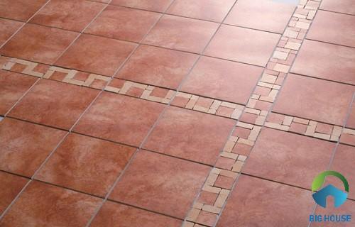 Gạch đỏ cotto với bề mặt được phủ một lớp men khô