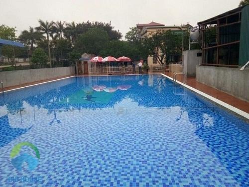 gạch ốp lát bể bơi 2