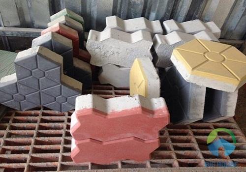 gạch tự chèn lát vỉa hè đa dạng màu sắc