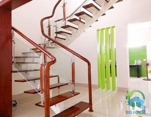 cầu thang đẹp cho nhà ống 4m 1