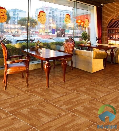 Gạch lát quán cafe với tông màu nâu chủ đạo