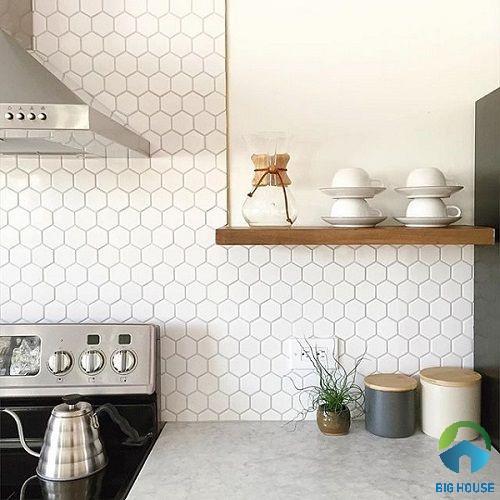 Gạch mosaic lục giác ốp tường bếp