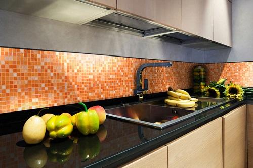 Gạch mosaic ốp tường màu đỏ cam