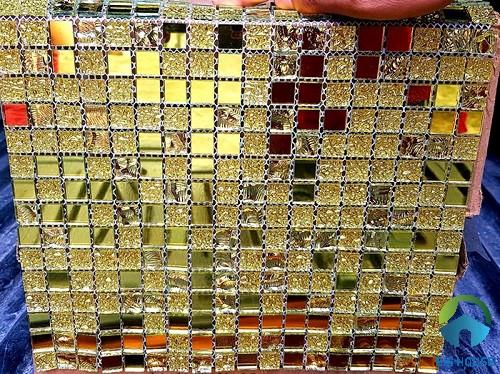 Gạch mosaic ốp bếp màu vàng