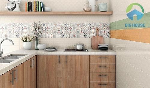 Ốp gạch cho một phần diện tích tường bếp