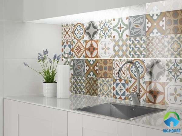 Gạch bông ốp tường bếp đa sắc màu