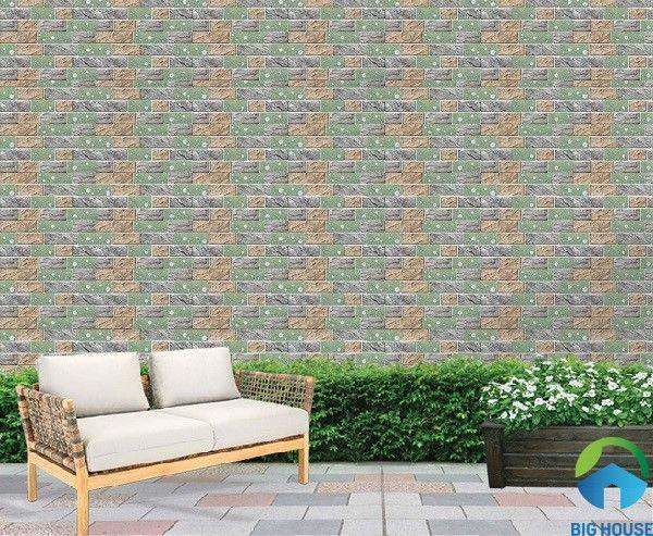 Gạch ốp tường Ý Mỹ S24004TS điểm họa tiết hoa trắng sinh động