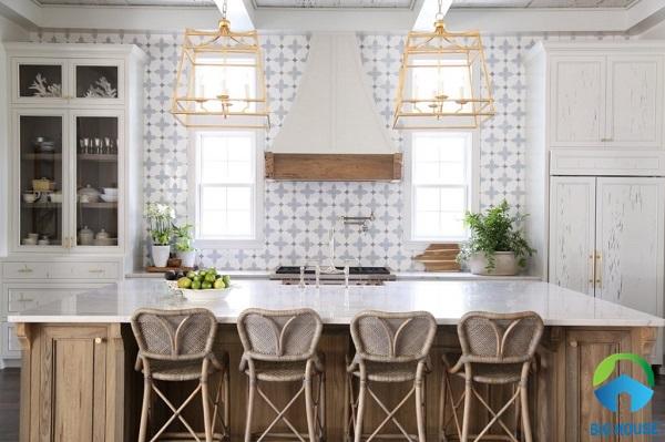Sử dụng mẫu gạch bông tông màu sáng cho phòng bếp