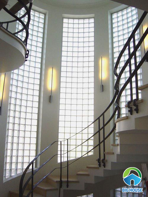 gạch kính lấy sáng cầu thang 7