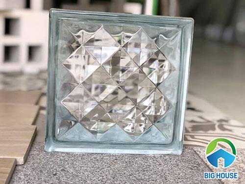 Gạch kính lấy sáng giếng trời: 5 Ưu điểm vượt trội nhất