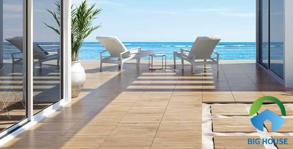 Gạch lát sân thượng giả gỗ màu vàng chất liệu granite chống thấm