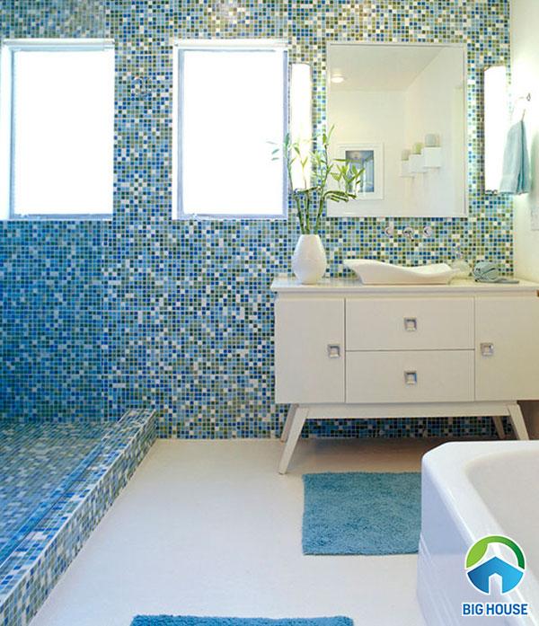 Mẫu gạch ốp lát nhà tắm màu xanh dương