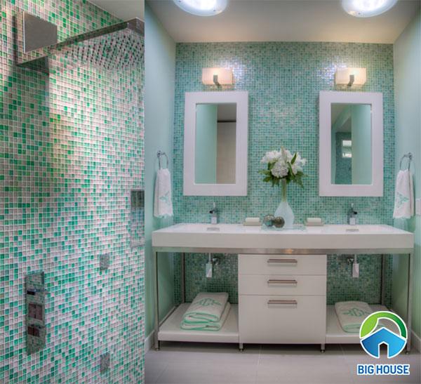 Phòng tắm ấn tượng hơn với vẻ đẹp tươi mát của màu xanh