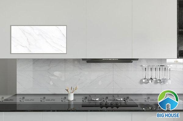 Mẫu gạch ốp tường bếp Viglacera UB3603 gam màu trắng, bề mặt men bóng