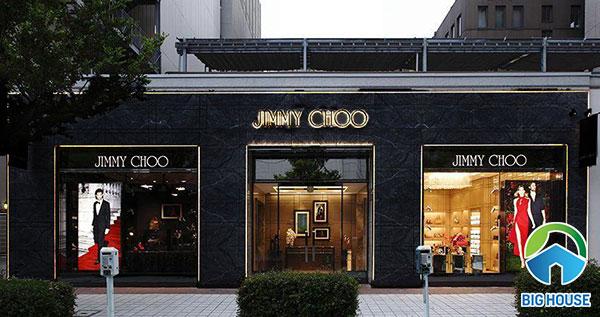 Gạch vân đá ốp mặt tiền màu đen sử dụng cho shop thời trang