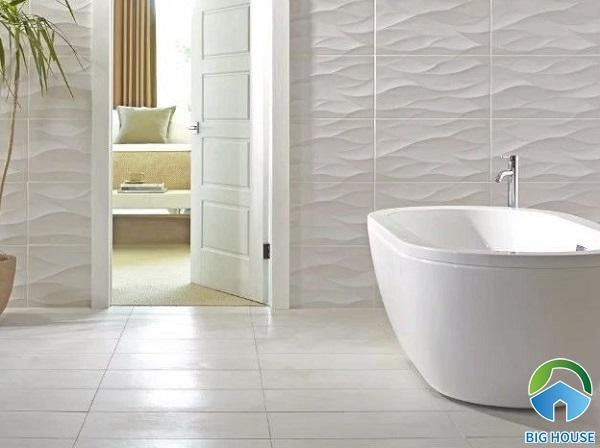 Mẫu gạch ốp tường họa tiết lượn sóng màu xám trắng cho không gian nhà vệ sinh