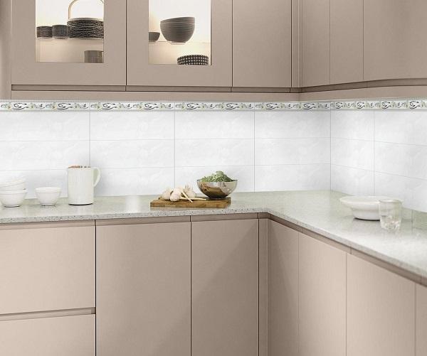 Mẫu gạch giả đá ốp bếp Tasa gam màu trắng đơn giản, bề mặt men bóng giúp vệ sinh dễ dàng hơn