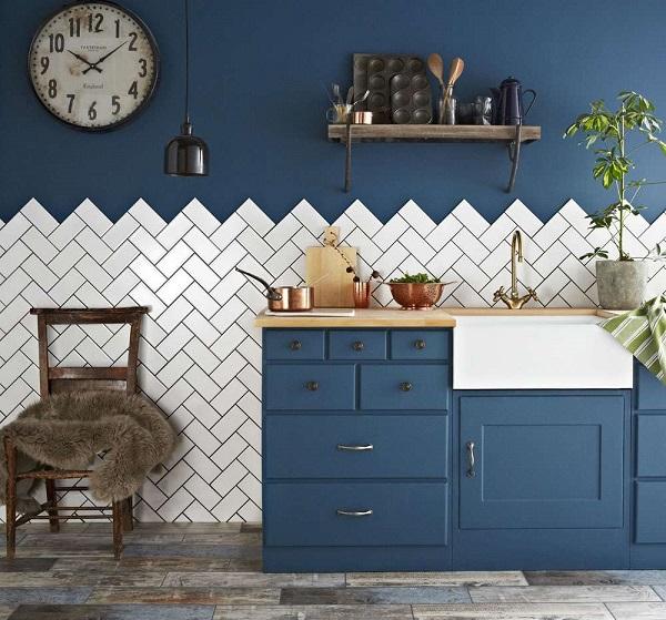 Gạch thẻ ốp tường họa tiết xương cá màu trắng cho không gian phòng bếp