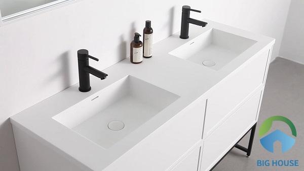 Chậu lavabo với thiết kế âm bàn bề mặt trắng sứ sang trọng