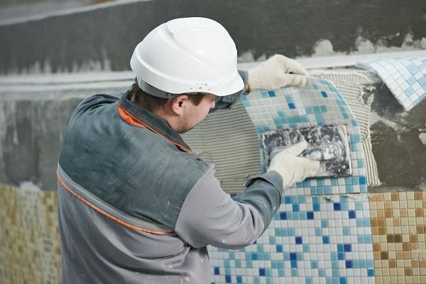 Thi công gạch mosaic bể bơi