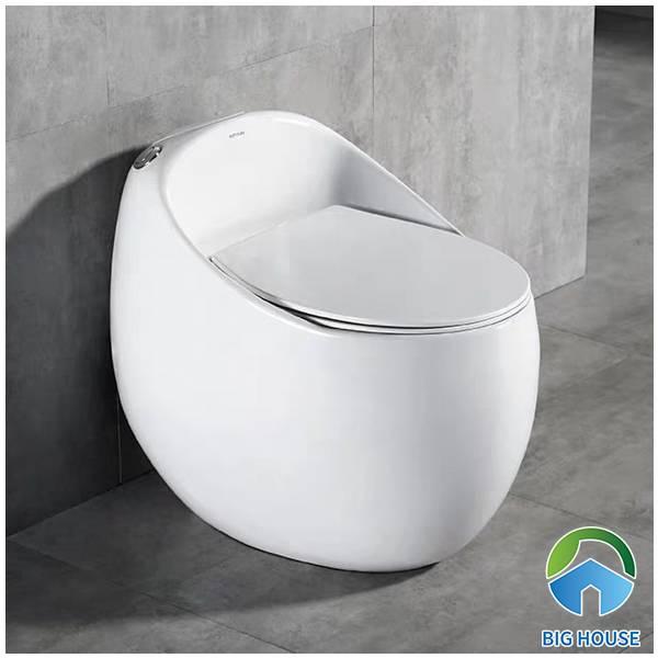 Bồn cầu LK666 thiết kế nhỏ gọn giúp tiết kiệm tối đa diện tích không gian