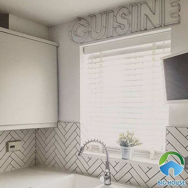 Gạch mosaic xương cá ốp bếp không chỉ đảm bảo tính thẩm mỹ mà còn đảm bảo chất lượng vượt trội