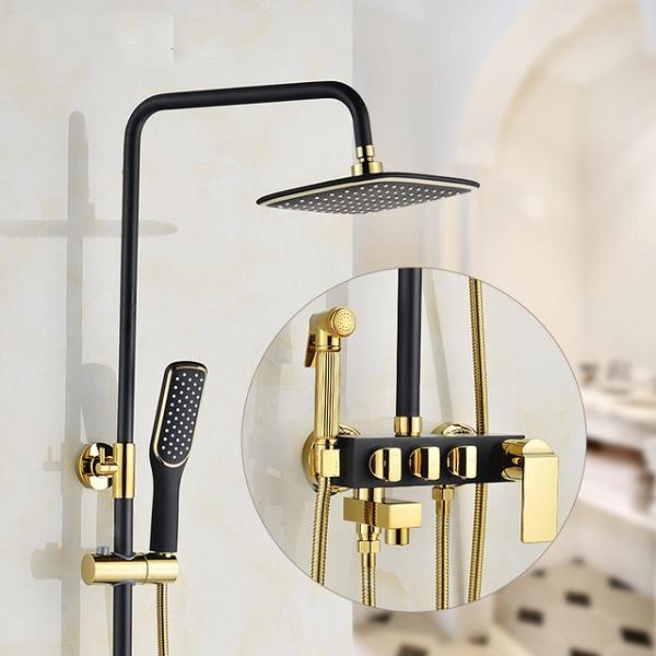 Sen tắm cây màu đen mạ vàng một phần vẫn tôn lên được vẻ đẹp sang trọng của sản phẩm