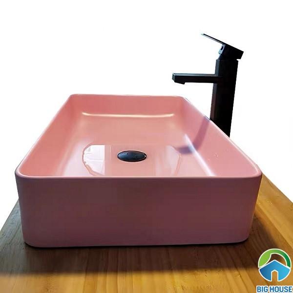 Chậu rửa mặt màu hồng Majist LB112