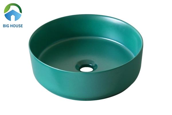 Hay bạn cũng có thể lựa chọn mẫu lavabo SU529 xanh đầy cuốn hút được nhiều gia chủ quan tâm hiện nay