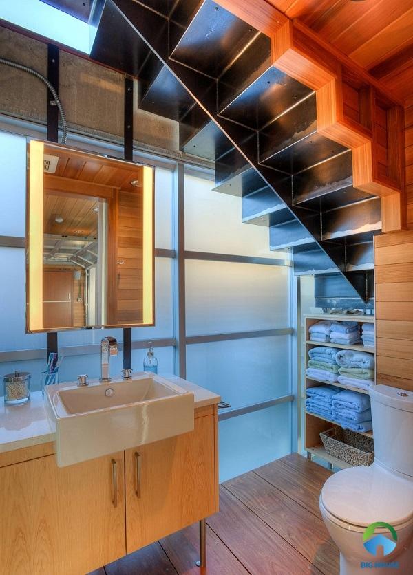thiết kế nhà vệ sinh dưới gầm cầu thang hợp phong thủy