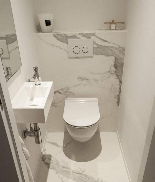 Sử dụng gạch ốp lát sáng màu khi thiết kế nhà vệ sinh 1m2