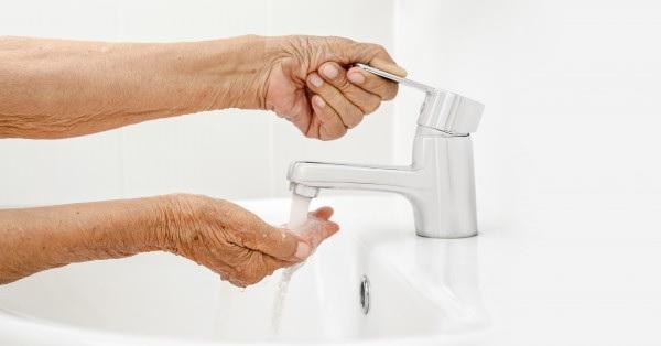 Lắp đặt vòi chậu sao cho dễ dàng sử dụng nhất